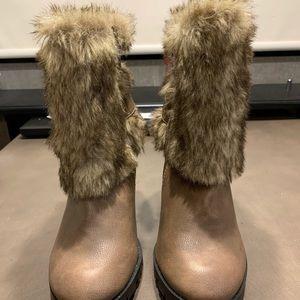NWT Soda fur top boots
